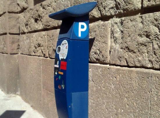 Parquímetro onde você deve fazer o pagamento.